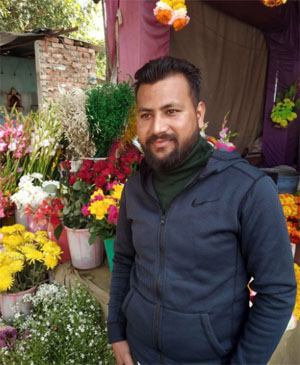 Flower Decorator in Haridwar Road, Rishikesh, Dehradun, Uttarakhand, India