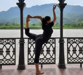 Yoga in Ganga Nagar, Rishikesh, Dehradun, Uttarakhand, India